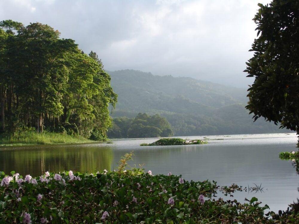 Lago de Cachí Costa Rica