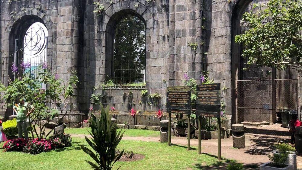 Ruinas de la Parroquia de Santiago de Apóstol